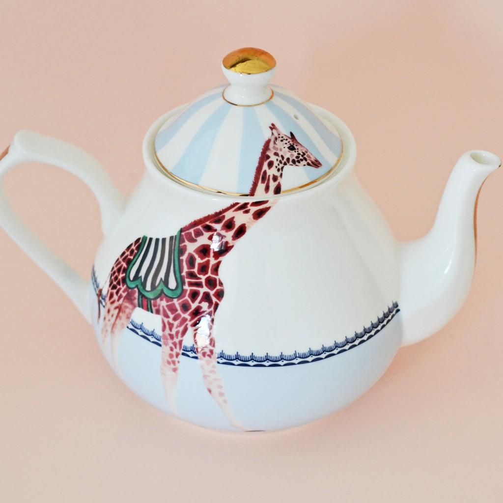Giraffes Tea Pot