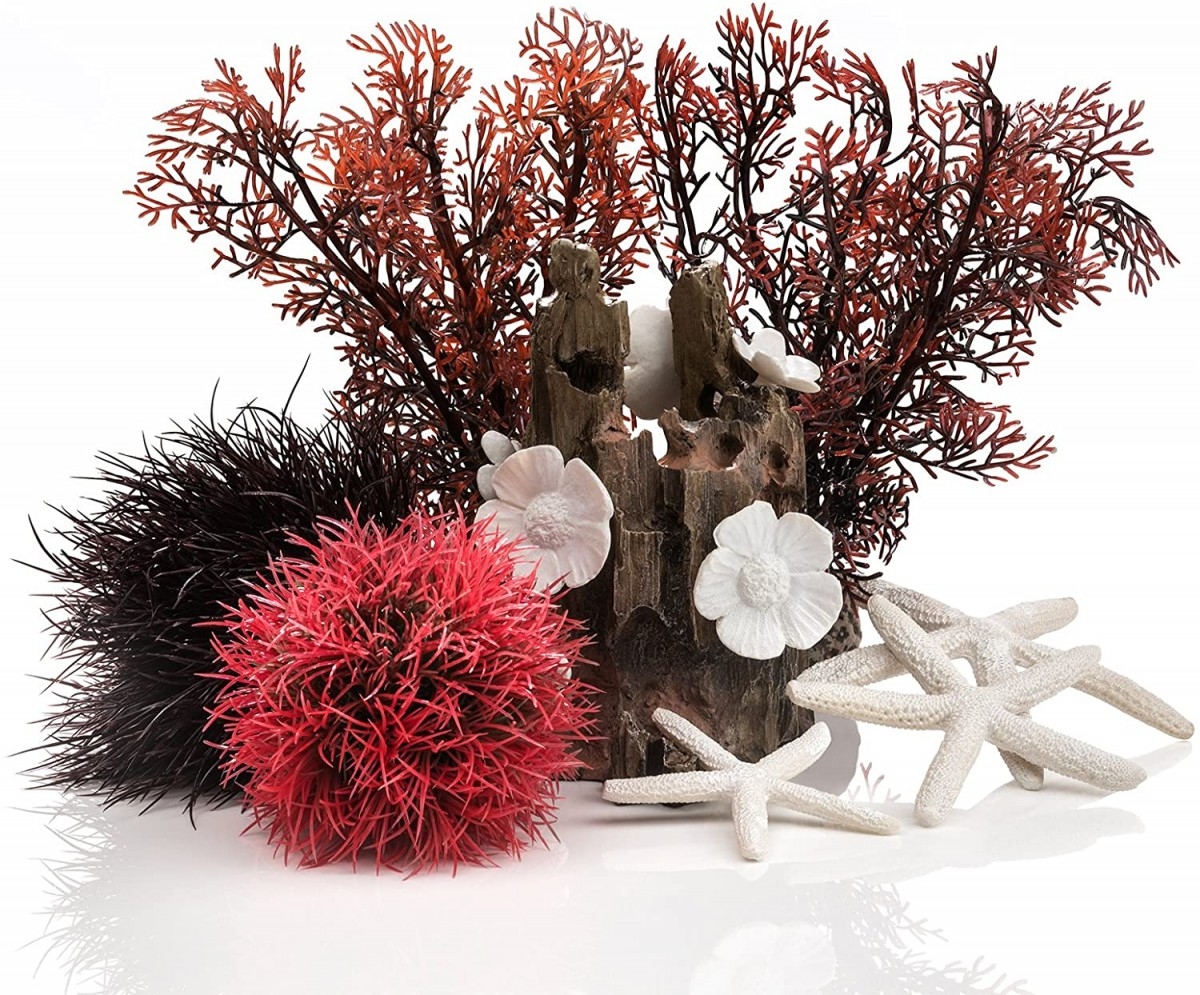 Red Forest Decoration Set