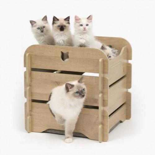 Oak Romantic Style Cat Bed