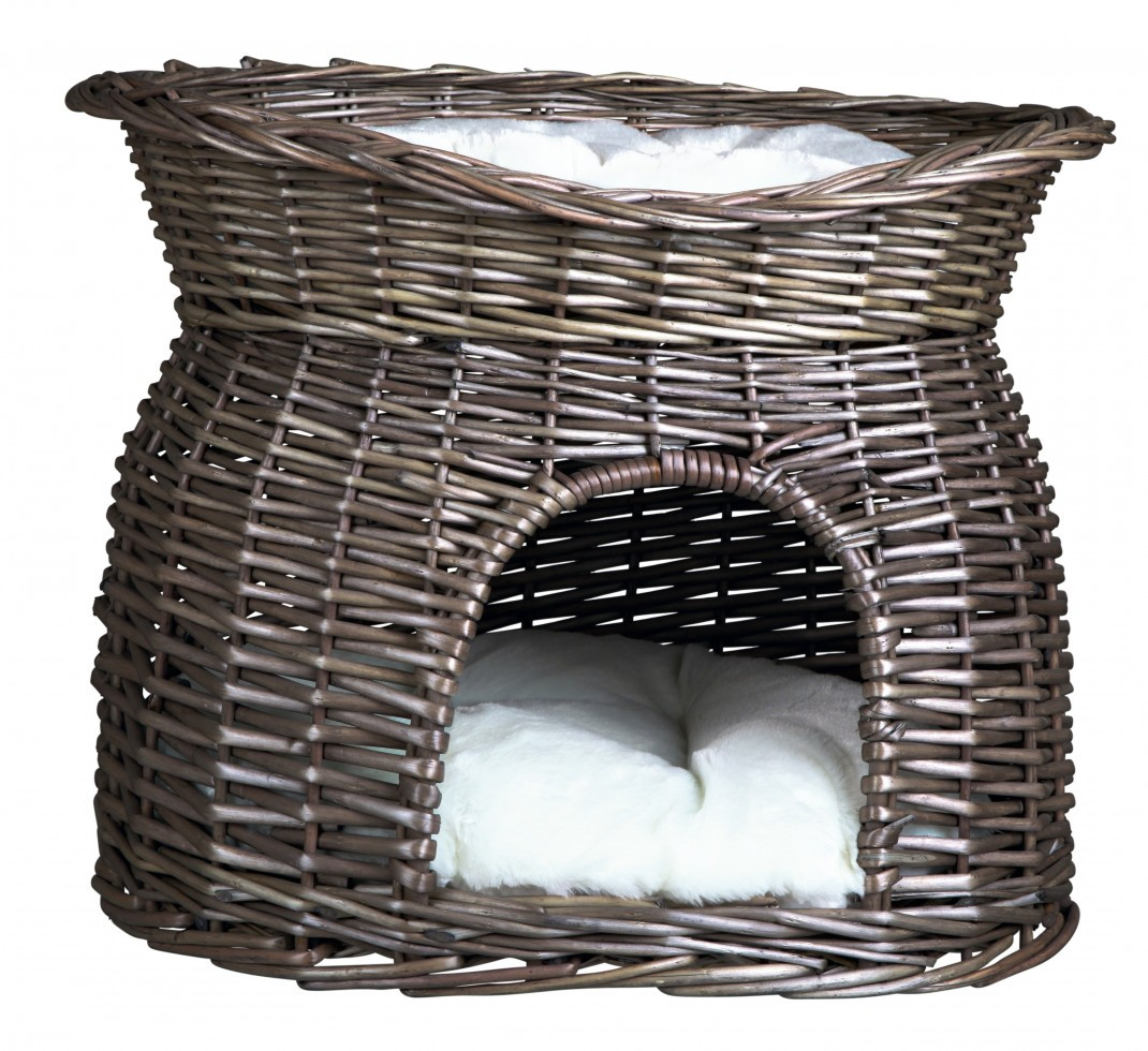 Wicker Basket with Sunroof and Pillows