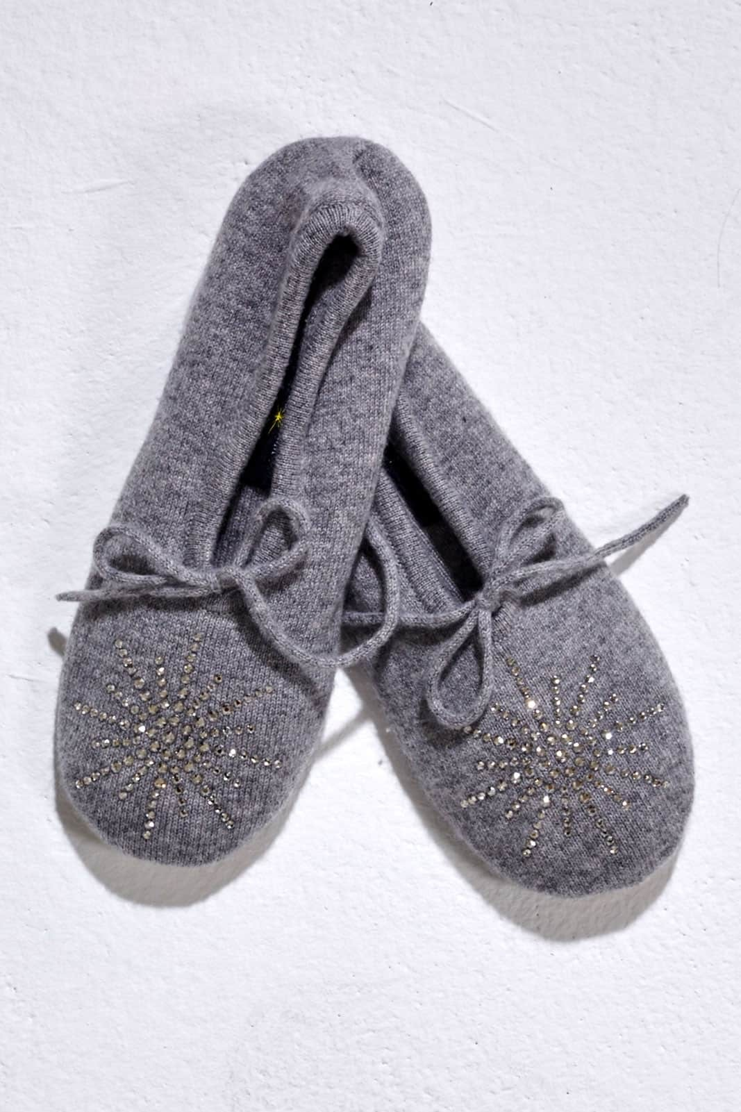 Elegant Light Grey Slipper with Classic Star