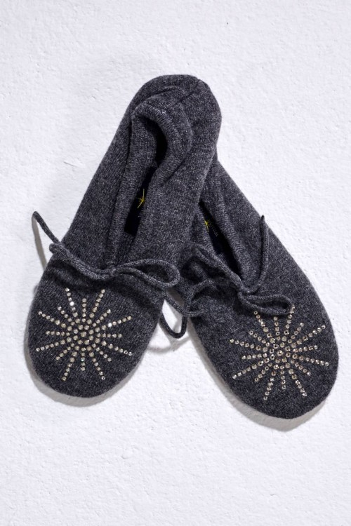 Lovely Dark Grey Slipper with Classic Star