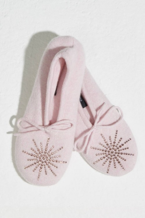 Good-Looking Pink  Slipper with Classic Star