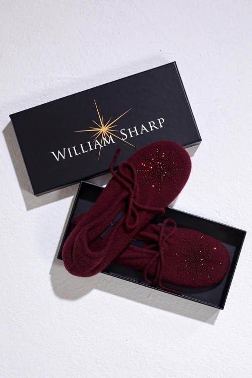 Nice Claret Slipper with Classic Star