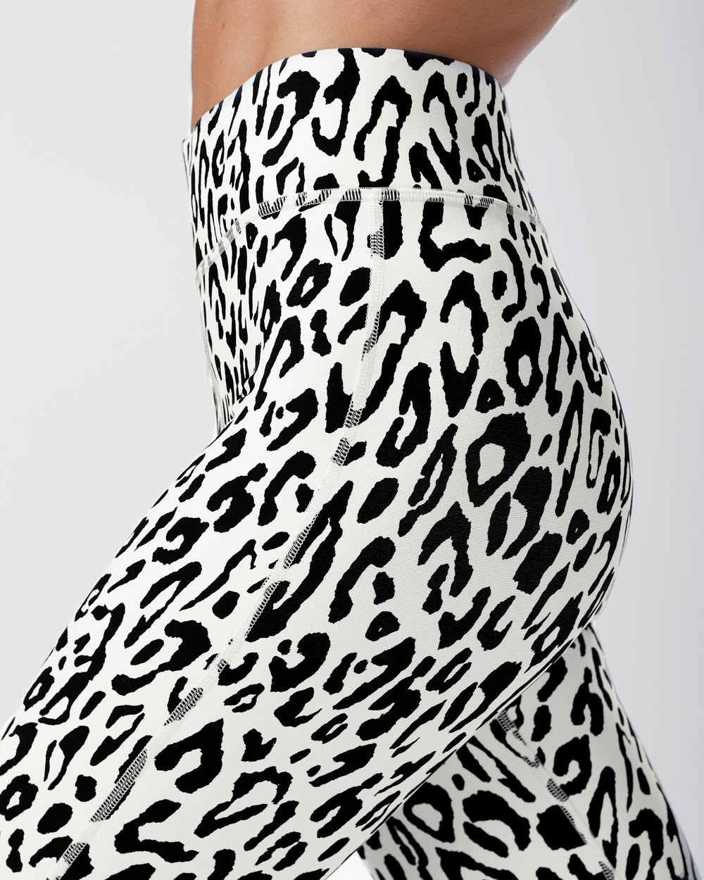 Ivory Verve Leopard Print Legging