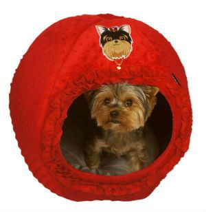 Warm Dog Bed in Red